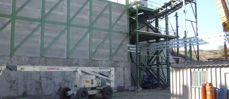 Silo para almacenamiento neumáticos en Lafarge Cementos